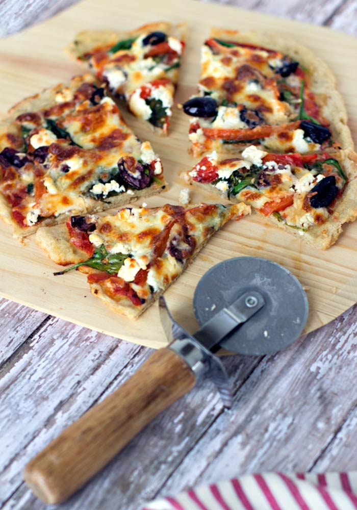 Spinach, Roasted Red Pepper and Goat Cheese Pizza