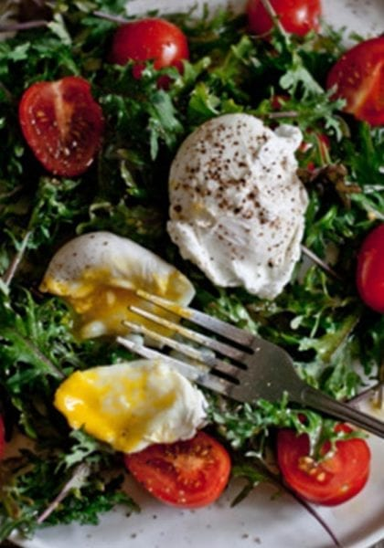 Baby Kale, Flavorino Tomatoes and Poached Eggs Breakfast Salad